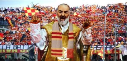 Padre Pio tifoso Benevento